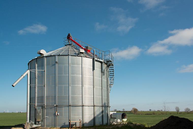 Silo: Landwirtschaftliche Gebäude