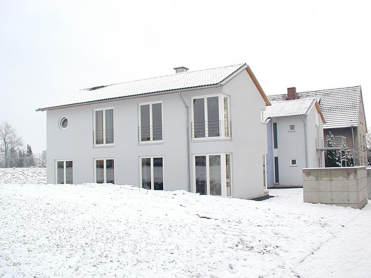 Ein Neubau im Winter